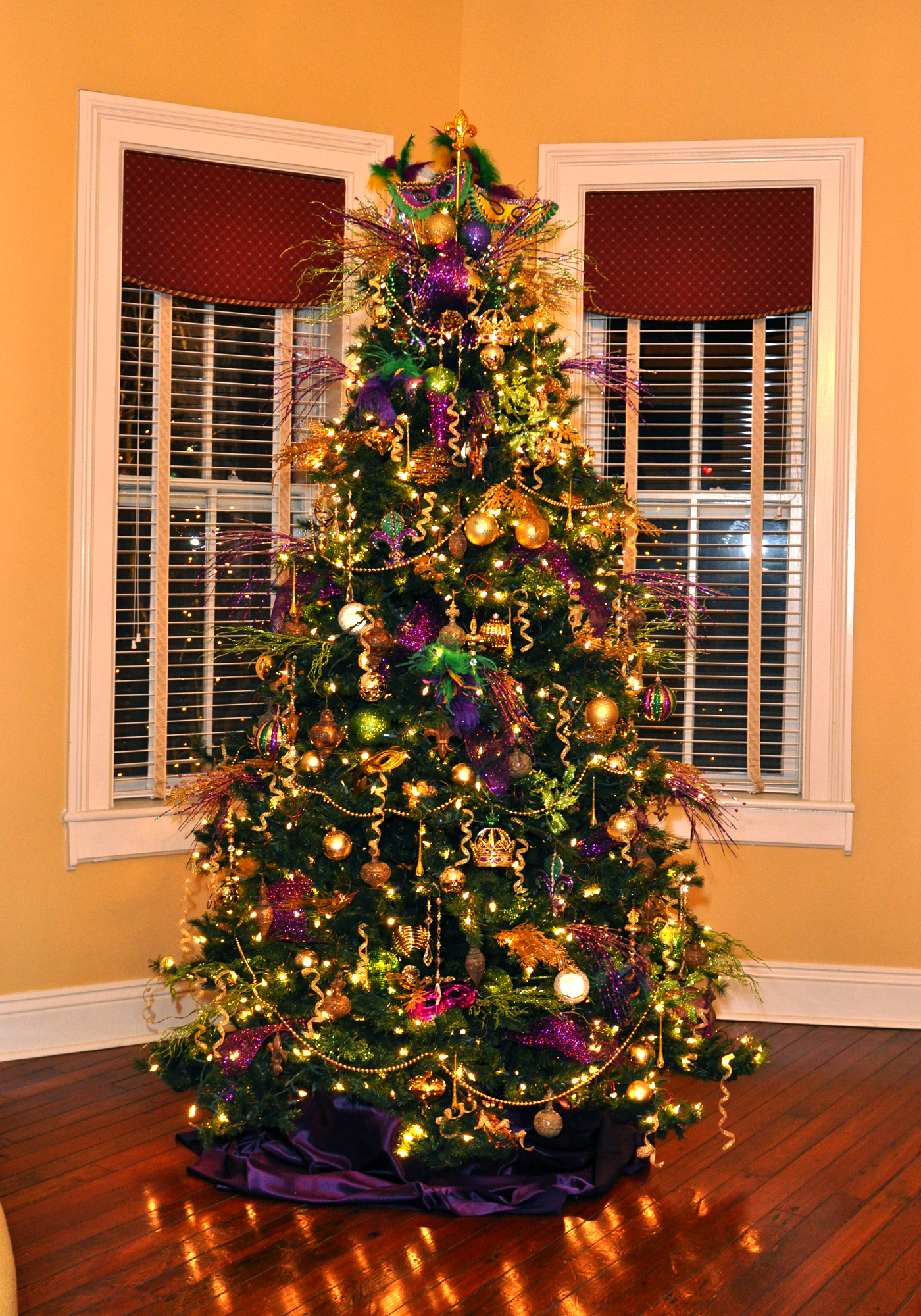 Who Decorated The First Christmas Tree